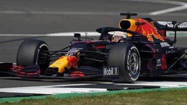 Max Verstappen tijdens de jubileumrace in Silverstone.