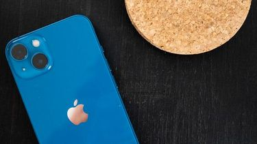 Usb-c Apple smartphone