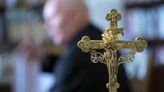 Uitzetting voorkomen door non-stop kerkdiensten