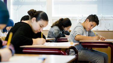 'Kinderen kunnen steeds minder goed schrijven'