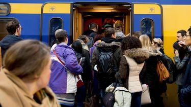 Recordmaand NS, nog nooit zoveel treinreizigers