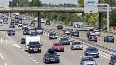 Op de foto zijn auto's op de Franse route du soleil te zien.