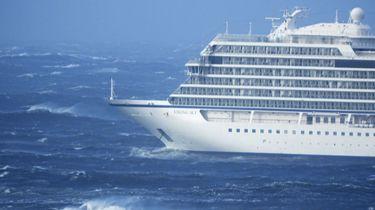 Cruiseschip met 1300 passagiers in problemen geraakt