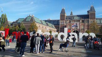 Toeristen snappen weghalen 'I Amsterdam' niet