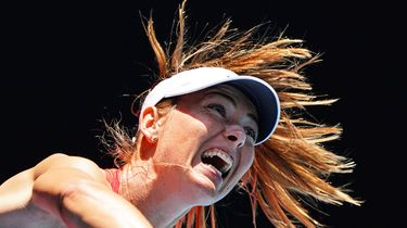 Tennisster Sjarapova hangt racket aan de wilgen