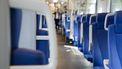 Weggelopen gevangene slaat vrouw in trein in gezicht