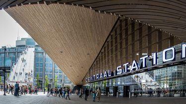 Jongen (17) neergestoken op station Rotterdam Centraal