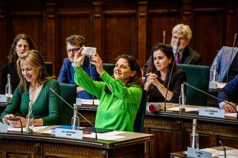 Een foto van de Rotterdamse wethouder van economie Barbara Kathmann.