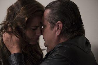 Een foto van Elise Schaap en Frank Lammers in Undercover op Netflix