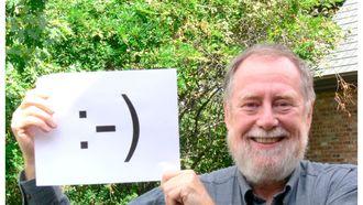 Allereerste emoticons :-) en :-( te koop, maar goedkoop zijn ze zeker niet