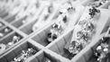 Dieven stelen diamanten uit juwelier