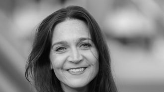 De Rotterdamse Julie van Mol komt na acht jaar met haar debuutroman 'Sterker door Strijd'