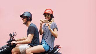 Scooterrijders overschatten eigen gedrag in het verkeer