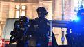 Een foto van bewapende agenten in Wenen.