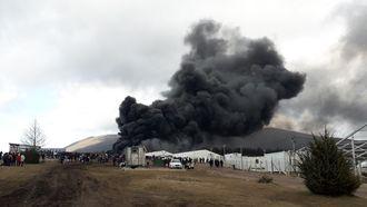 Vluchtelingenkamp Lipa brandt af