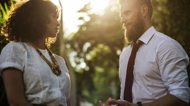 Voor circa 20.000 doven in Nederland is het niet vanzelfsprekend om gesprekken te kunnen voeren. Foto: Pixabay