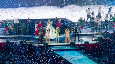 Een witte kerst tijdens The Christmas Show in de Ziggo Dome, met onder andere Nicolette van Dam, O'G3NE, Edsilia Rombley en Jamai Loman. Foto: ANP