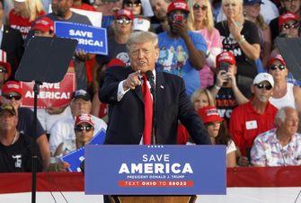 Trump valt immigratiebeleid Biden aan: 'Joe vernietigt onze natie'