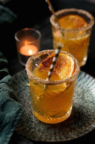 Winterse cocktail met sinaasappel brûlée