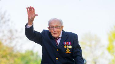 Nooit te oud voor twee records bewijst veteraan Tom Moore (99)