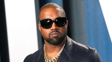 Op deze foto is rapper Kanye West te zien.