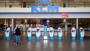 Een foto van een leeg Schiphol, velen kregen een vakantievoucher