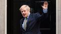 Corona-adviseur Boris Johnson opgestapt na ontvangen van geliefde