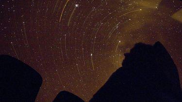 Een foto van vallende sterren