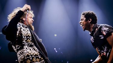 Met wie willen de vrienden van Amstel (g)een duet?