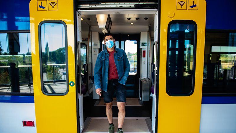 mondkapje trein NS coronamaatregelen