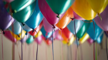 Man gijzelt ruim twintig kinderen op 'verjaardagspartijtje'