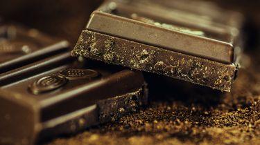 Bij Deen Beverwijk ligt chocola tussen maandverband