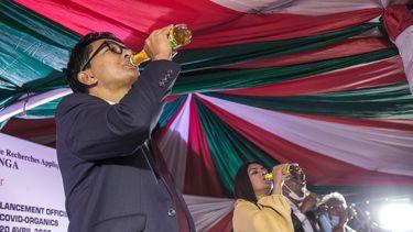 President Madagaskar: 'Drankje Covid-Organics helpt tegen corona'