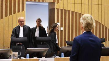 PVV-leider Geert Wilders in de rechtbank van Schiphol.