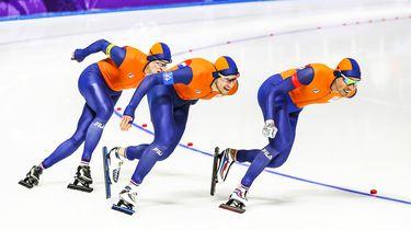 Brons Nederlandse mannen op achtervolging