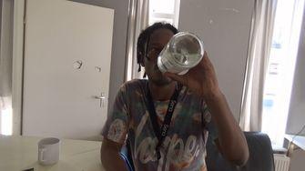 'Verdoofd' geeft heftige inkijk in wereld van verslaving: 'Alcohol en drugs waren mijn beste vrienden'