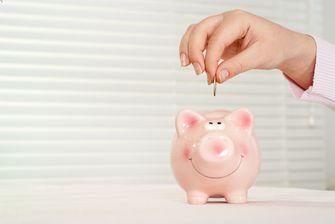 Een foto van sparen in een spaarpot