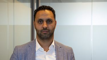Portret van advocaat Khalid Kasem