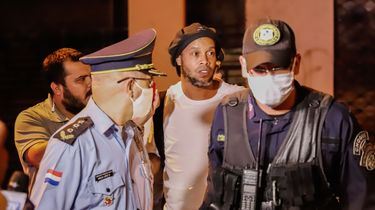 Ronaldinho in huisarrest na verblijf in gevangenis