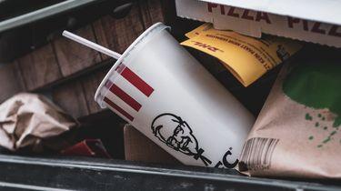 Fastfoodketen KFC 'gooit bergen eten weg'
