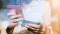 vrouw koopt online