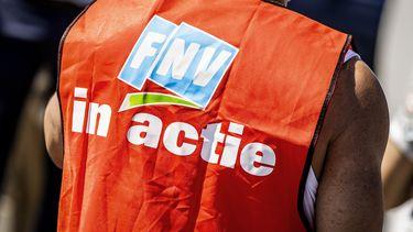 FNV haalt vernietigend uit naar het uitbuiten van uitzendkrachten