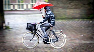 Orkaan Lorenzo zorgt voor flink regenachtig weekend