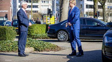 Koning Willem-Alexander bezoekt hulpverleners Tilburg