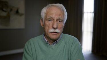 De 71-jarige Thom Karremans in de documentaire Srebrenica - De machteloze missie van Dutchbat