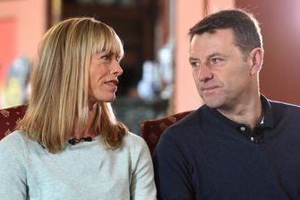 Een foto van de ouders van Madeleine McCann