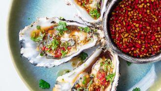 oesters met Balinese dressing