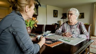 Ziekmeldingen in thuiszorg en verpleeghuizen stijgen harder