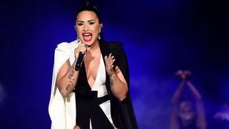 Positieve reacties op cellulitis-foto Demi Lovato