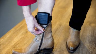 Oost-Nederland test enkelband met alcoholmeter